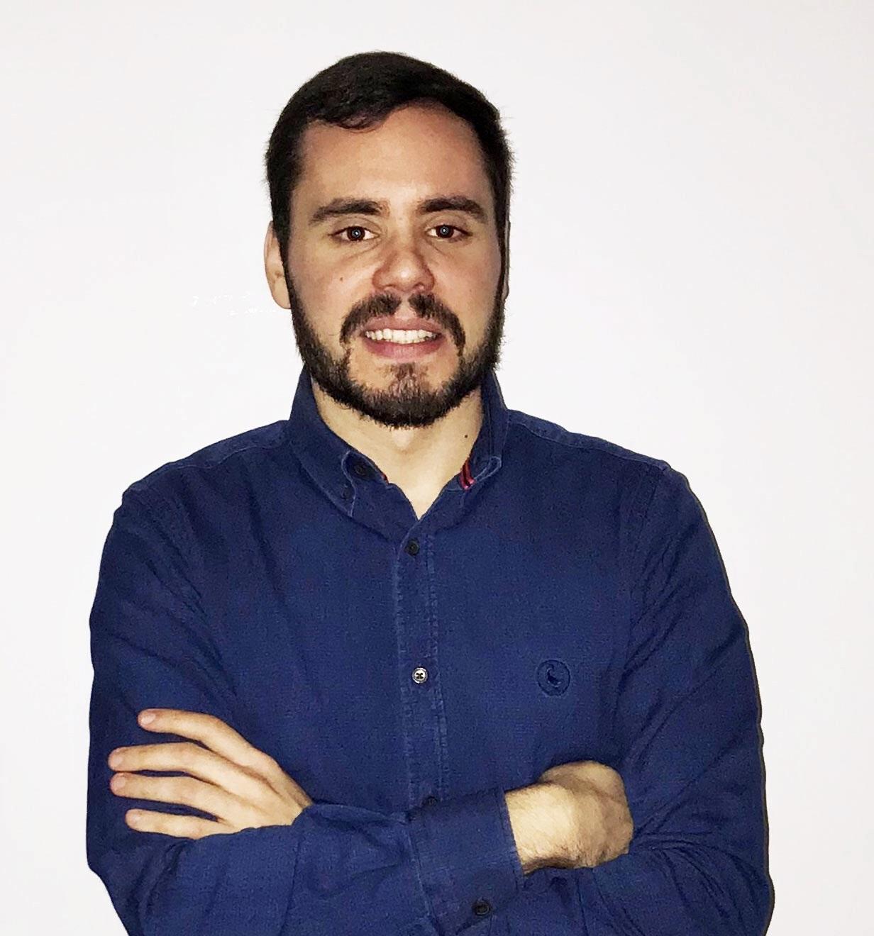 """David Díaz: """"En Redegal, tengo la oportunidad de especializarme en el área del SEM. Formo parte de un equipo de profesionales del sector que son muy buenos en lo que hacen""""."""