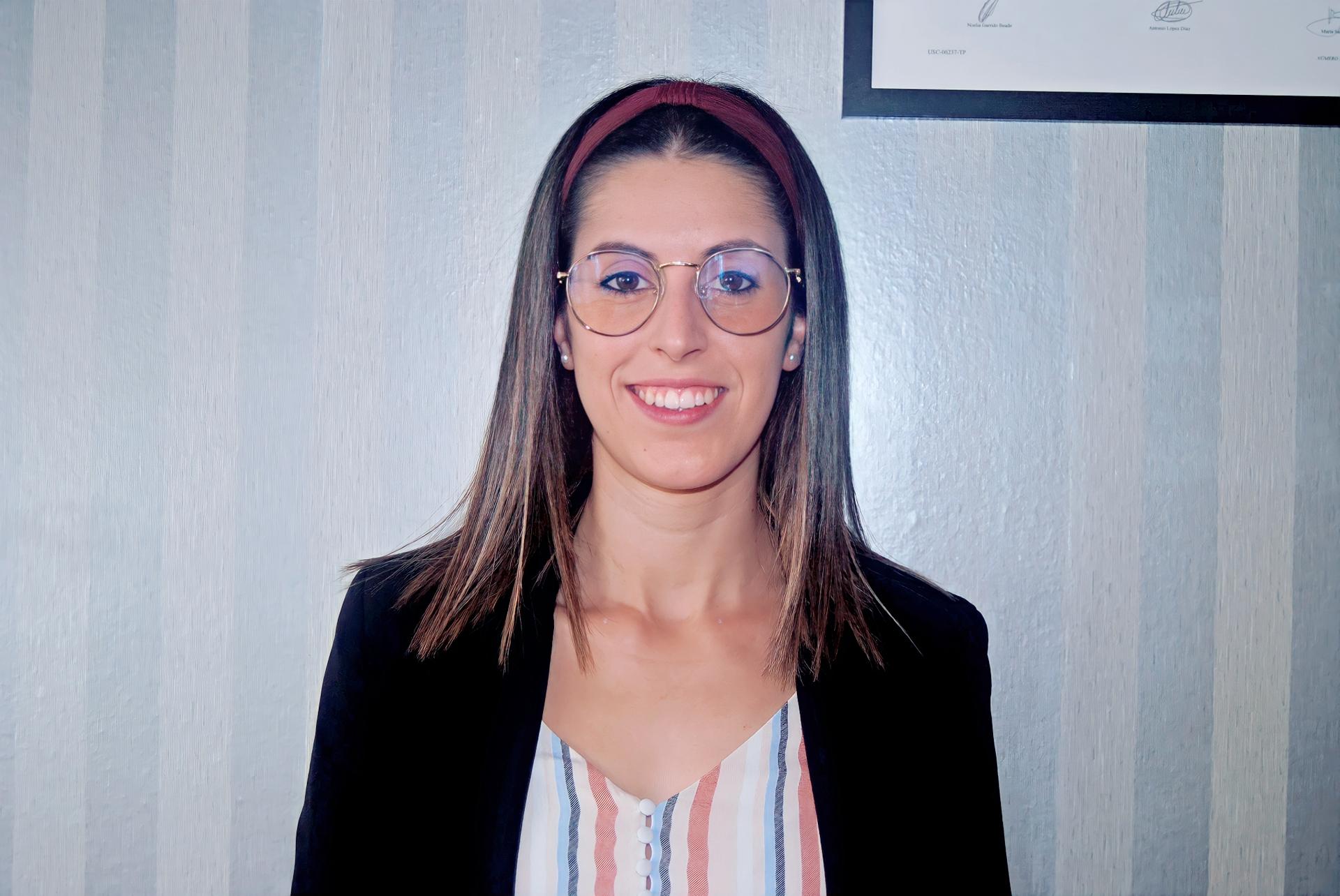 """Noelia Garrido: """"Con el profesorado mantengo el contacto vía email, siempre están dispuestos a responder las dudas que van surgiendo por el camino y quien mejor que ellos para aclararnos las ideas""""."""